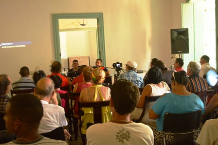 Presentación de la revista Signos en Trinidad, en agosto de 2015.